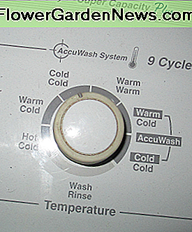 This dial set's the temperature of the water for the wash and then the rinse cycle.