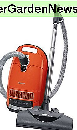 Miele S8380 Cat & Dog Canister Vacuum (oud model)