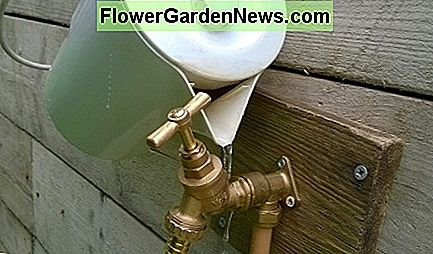 If you can't remove the head, try using hot water. This expands the lower metal body of the spigot and loosens its grip. Pour water on the lower half only, not the head
