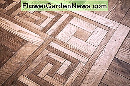 pattern of oak parquet flooring