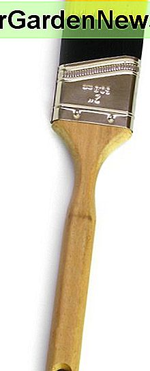 An angled bristle paint brush.