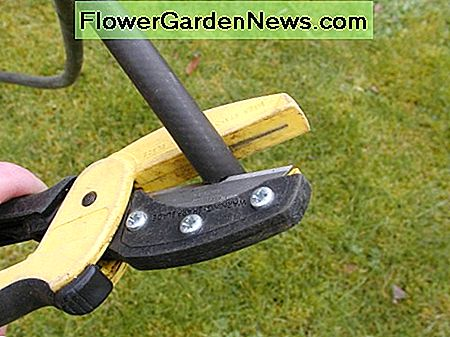Cut the end of the hose square. This useful tool for cutting hoses and light pvc tubing is fitted with a widely available