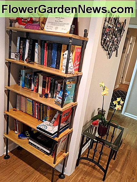 ...And here's the full finished bookshelf!