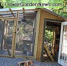 Chicken Coop och Greenhouse Construction