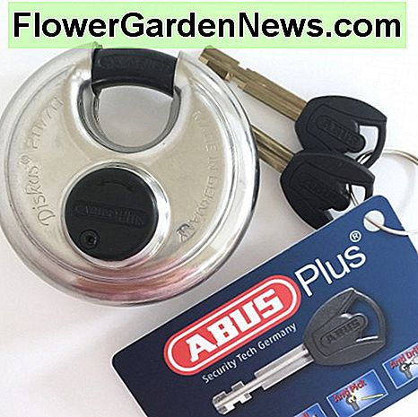 The Abus 20/70 Diskus Lock is one of the best locks for storage units.